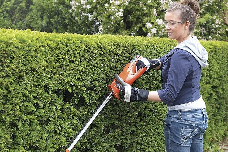 How Do You Know When Your Hedge Trimmer Blades Are Sharp Enough?