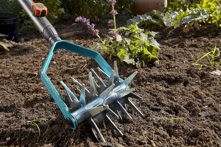 WHAT IS THE PURPOSE OF A GARDEN CULTIVATOR?